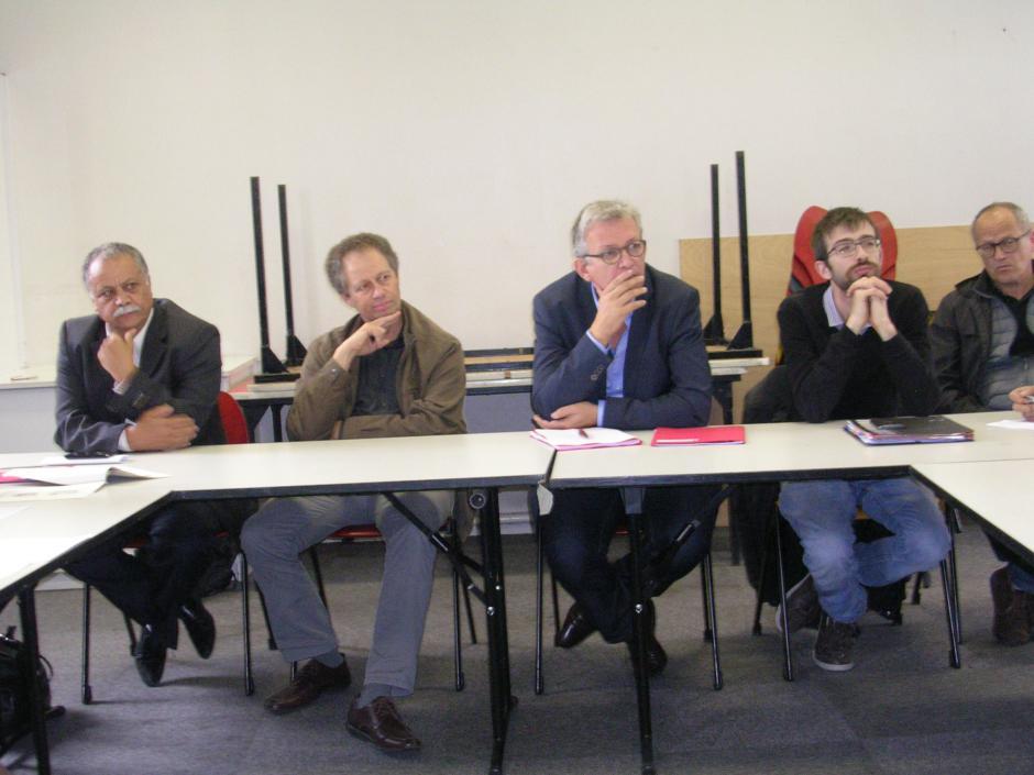 Pierre Laurent reçu par les syndicalistes à l'hôpital de Nanterre